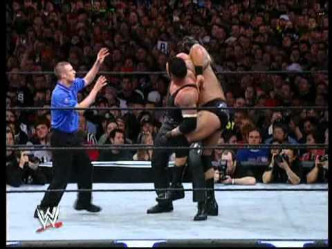 Photo of The Undertaker Vs Big Show & Train At Wrestlmania 2003