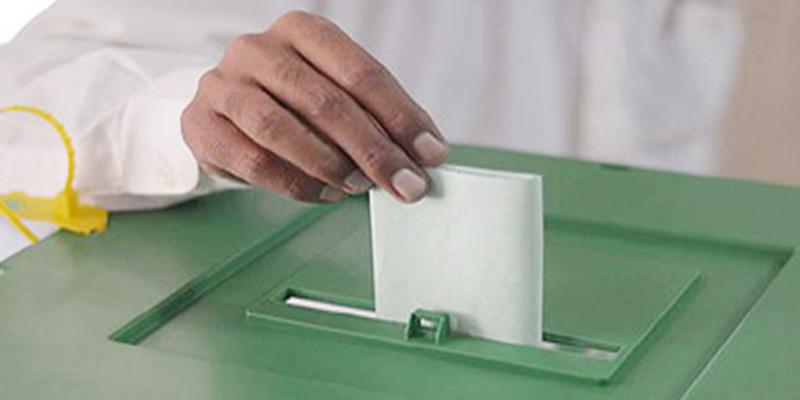 Photo of ووٹ خریدنے کیلئے پیسے دینے کی بات ہوئی پرانی،جانتے ہیں امیدوار ووٹرز کو کون سی قیمتی چیز خرید کر دینے لگے؟