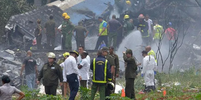 Photo of معروف ایئرلائن کا طیارہ ٹیک آف کے فوری بعد گر کر تباہ،طیارے میں 104 مسافر سوار تھے،امدادی کارروائیاں شروع کردی گئیں