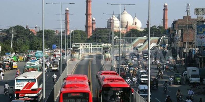 Photo of لاہور میں دہشتگردی کا خطرہ ، خود کش بمبار شہر میں داخل، کن مقامات کو نشانہ بنایا جاسکتا ہے؟تھریٹ الرٹ جاری