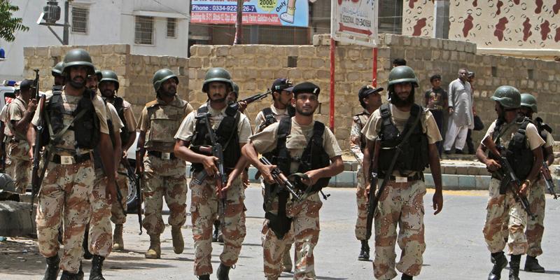 Photo of ڈیرہ غازی خان میں ممکنہ دہشت گردی کے پیش نظر اہم تنصیبات پر رینجرز تعینات کرنے کا فیصلہ