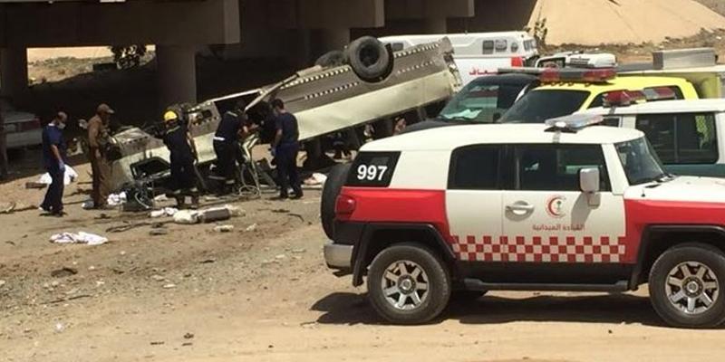 Photo of مکہ سے مدینے جانیوالی بس خوفناک حادثے کا شکار، 9زائرین جاں بحق، تعلق کن ممالک سے نکلا ؟پتہ چل گیا