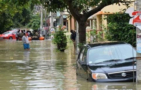 Photo of بھارت میں مون سون بارشوں اور سیلاب سے 774 افراد ہلاک