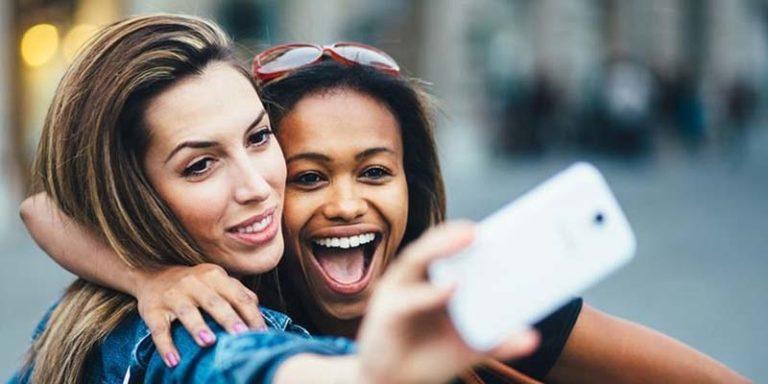 Photo of سیلفی کے شوقین افراد کے لیے دستیاب 5 بہترین اسمارٹ فونز